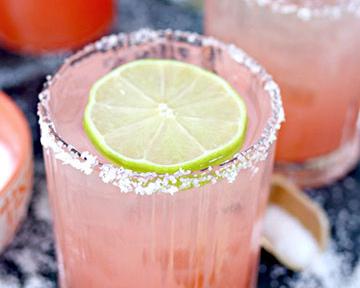 drinks: salty-dog